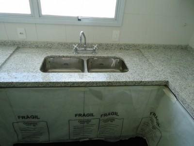 Granito cinza andorinha pedras veneza for Empresas de granito